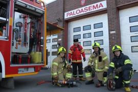 Laitilan asemalla työskentelevät palomies Samuli Mannila, päivystävän yksikön johtaja Veijo Pennanen, palomies Asko Nikkanen sekä harjoittelujaksolla ollut harjoittelija  Sami Saariniemi.
