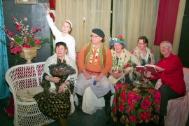 Meijerin teatteri tarjoaa kevään ratoksi kuvaelman Anton Tšehovin näytelmästä Kolme sisarta.