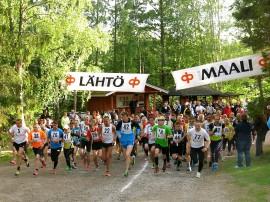 Kaljasjärven yöjuoksu kisattiin torstaina Kodisjoella.