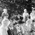 Kunnallispolitiikassa harvinainen kykykysely houkutteli Kodisjoen kunnantoimiston pihalle kolmisenkymmentä kuntalaista. Laitilan Sanomat 8.7.1994.