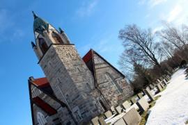 Jean Sibeliuksen sävellykset kajahtavat tunnelmallisessa Pyhärannan kirkossa. Kuva: Maria Suomi