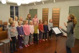 Sibelius-konsertissa esiintyy muun muassa Laitilan lasten kuoro, jota johtaa Laura Perälä. Kuva: Juhani Marttala