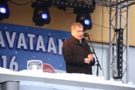 Presidentti Sauli Niinistö puhui Tavataan tehtaalla -tapahtumassa. Kuva: Hanna Hyttinen