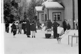 Padon talvitapahtuma keräsi yhteistalolle sunnuntaina iltapäivän aikana lähes 100 henkeä. Laitilan Sanomat 20.3.1996