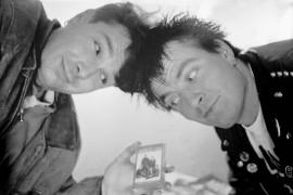 Mane ja Mako ovat Natusan Clubin ydin. Pääasiassa heidän aktiivisuutensa ansiosta tehtiin Fakin Ässkriim -kasetti, joka pitää sisällään 20 kappaletta. Laitilan Sanomat 19.4.1996
