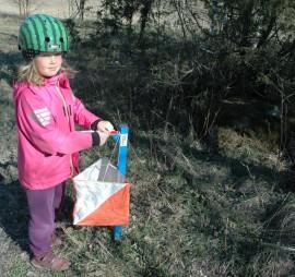 Kuvasuunnistus sopii kaikenikäisille, sen todisti muun muassa 7-vuotias Rinna Suoniemi. Kuva: Rauno Laine