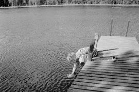 Laitilan terveystarkastaja Kaija Halminen muistuttaa, että järvien vedet pitäisi tutkia vähintään kaksi kertaa vuodessa. Laitilan Sanomat 31.7.1996