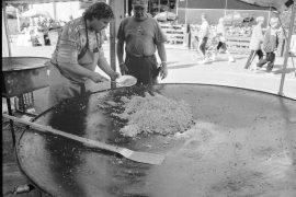 Munamarkkinoila vuonna 1996 nähtiin Suomen suurin paellapannu, jolla tamperelainen Jussi Korhonen kokkaili markkinaväelle murkinaa. Miehen itsensä valmistaman pannun halkaisija oli huimat 235 senttimetriä.