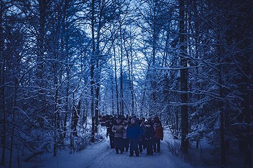 3796 / Kuvaaja: Mikael Rydenfelt / Päivämäärä: 24.02.2017 / Mitä kuvataan: Lintutieteellisen yhdistyksen perinteinen pöllöjahti on keräämässä ennätysyleisön. Viime vuonna paikalla 200, nyt odotetaan 500:aa. / Sijainti: Ruissalon puutarha