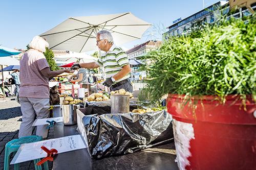 Jorma Varjonen kertoo olevansa jo eläkkeellä, mutta jatkavansa perunan viljelyä ja myyntiä vielä harrastusmielessä.